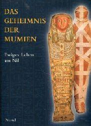 Germer, Renate:  Das Geheimnis der Mumien. Ewiges Leben am Nil. Katalog z. Ausstellung in Hamburg 1997.