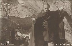 Fönss, Olaf  Ansichtskarte Olaf Fönss als Homunculus (hinten hs: Szene aus Homunculus III. Teil Richard Ortmann und Edgar Rodin (verkörpert durch Friedrich Kühne))