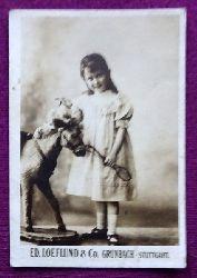 Reklamebild / Kaufmannsbild / Sammelbild Ed. Loeflund & Co. Malzextract, Milchzucker, Milch-Zwieback-Mehl (Junges Mädchen mit Spielzeug)