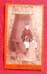 """Originalfotografie eines jugendlichen Bergmannes mit Lampe betitelt """"Ausfahrt"""""""
