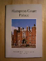Chettle, G. H.  Hampton Court Palace. Ministry of Works Guide-Book.