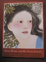 Randall Jarrell (Übersetz.)/Brüder Grimm/Nancy Ekholm Burkert (Illustr.) Snow-White ans the Seven Dwarfs. A Tale from the Brothers Grimm