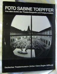 Foto Sabine Töpffer. Aus dem Archiv der Theaterfotografin und Fotojournalistin.,Katalog der Ausstellung 1981, Deutsches Theatermuseum, München.