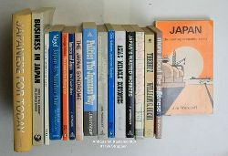 Woronoff, Jon/Seward, Jack/Ouchi, William G./Kawasaki, Ichiro/Nakane, Chie/Mikes, George/Vogel, Ezra F./Norbury, Paul; Bownas, Geoffrey  Konvolut 16 englische Bücher über Japan. 1. Japan, the coming economic crisis.,2. More about the Japanese. 3. Theory Z. How American Business Can Meet the Japanese Challenge.