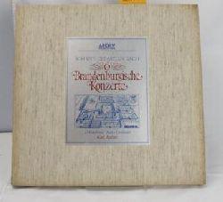 """Bach, Johann Sebastian/Karl Richter/Münchener Bach-Orchester  6 Brandenburgische Konzerte (2 LPs) in der Klappbox mit Begleitheft,12""""-Vinyl-Schallplatten; 2 LPs; Archiv Produktion 198 438/39; Einspielung von 1967; Schallplatten und Box tadellos, mit Ill. Beiheft (16 S.)"""